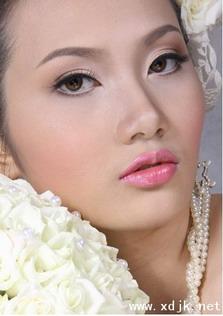 婚礼上让新娘甜美到极致的五款妆容