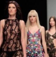 白俄罗斯美女时装周上show性感镂空时装秀