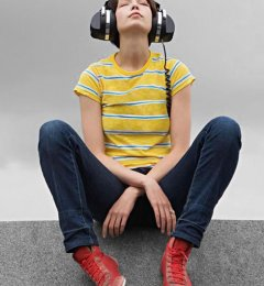 长期佩戴耳机可致听力永久损伤