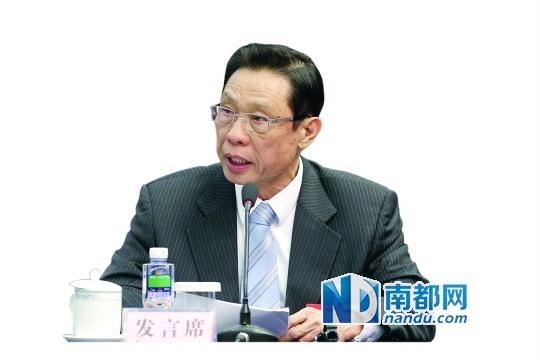 钟南山:广州三甲医院医生工资4.6万实收19万