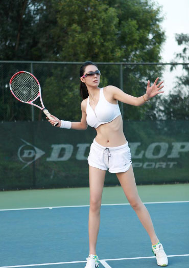 网球运动跑跳不当 易使关节肌腱受伤