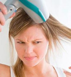 如何使用电吹风才不伤发