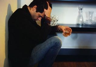 男人情绪失控的原因