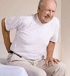 老人压缩性骨折,面临的方向性选择问题