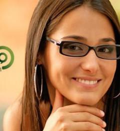 """装""""B""""也有度 长时间戴变色镜损害视力"""