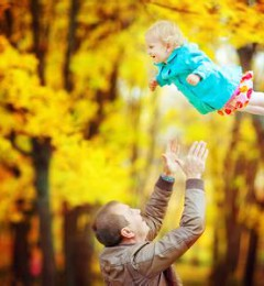 父爱陪伴孩子快乐成长