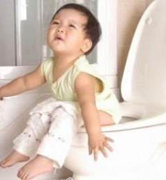 新妈妈如何给BABY擦屁股才能预防宝宝患肛瘘