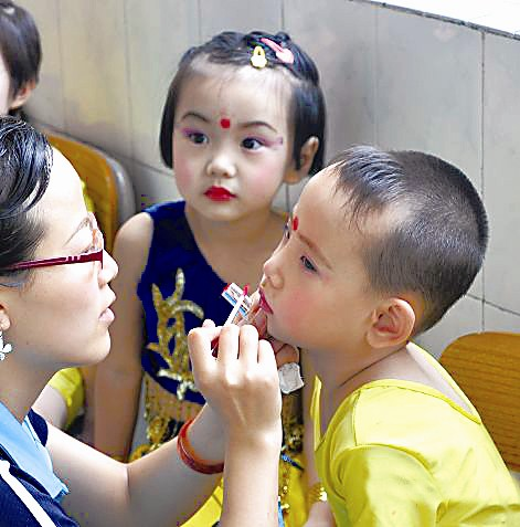 成人化妆品致儿童性早熟