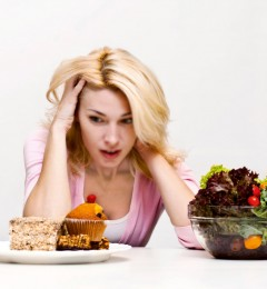 节食减肥不当易引起脱发