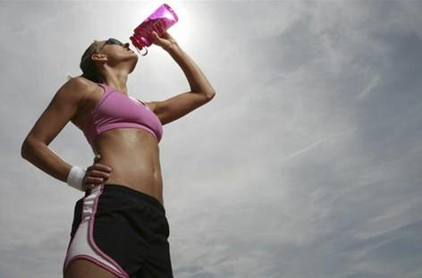 在三生公司东方素养的平衡中享受健康运动