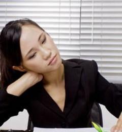 打电话不当也会患上颈椎病 你是否已中招?