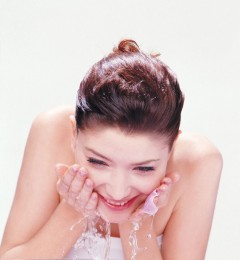 祛除粉刺的方法人人都知道 为何自己做不到?