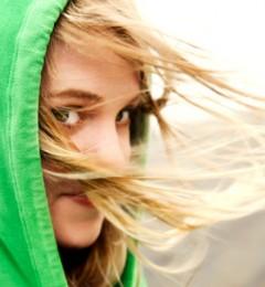 冬季头皮屑增多的原因及预防