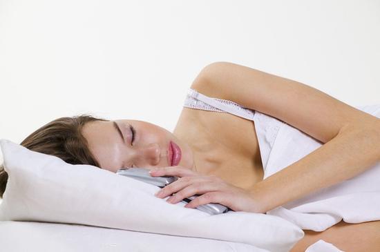 睡觉时如何放置手机