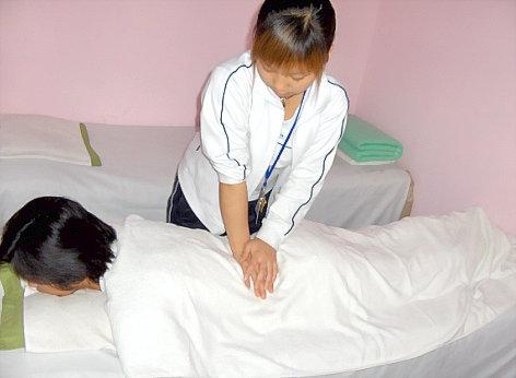 按摩手法治疗腰椎病