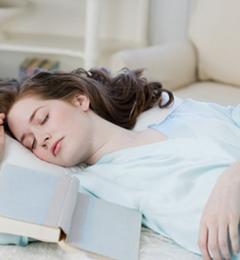 充足睡眠是女性保养皮肤的最好方法