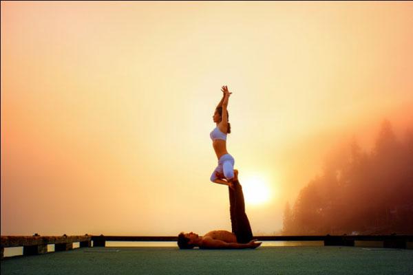 女神与王子的超高水准双人瑜伽表演
