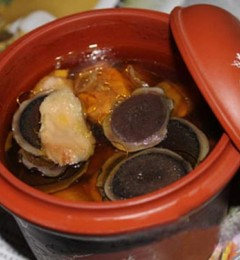灵芝莲心百合瘦肉汤