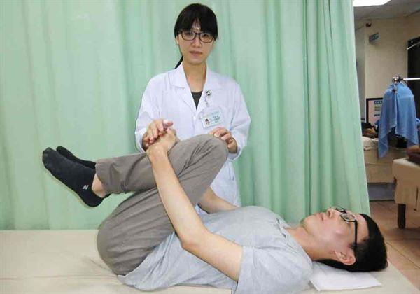 预防急性腰椎间盘突出 简单两招解决