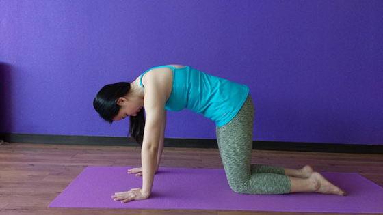 长假尽情大吃大喝 3招简易瑜伽改善消化系统