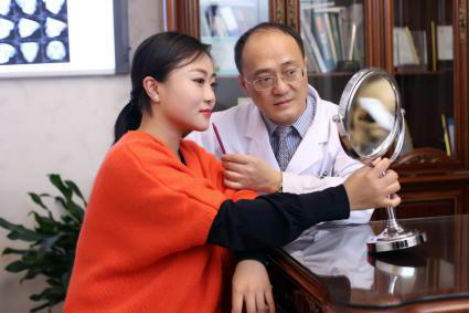 北京圣嘉新邱立东院长-每一例手术都要做好充分的沟通