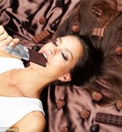 女性生理期间想吃巧克力正常吗?