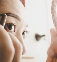 美颜新发现 眉毛浓一点看起来就会很年轻