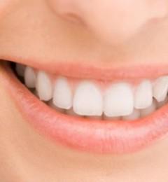 白得发亮的牙齿才健康!