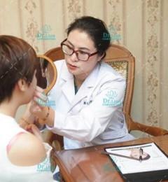 双眼皮手术后眼周有淤斑,有青紫现象怎么办?-连喜艳双眼皮医生