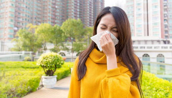 擤鼻涕也讲究 错误方法小心导致中耳炎!