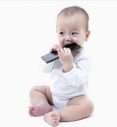 保护孩子的健康 你只需要换一张手机膜