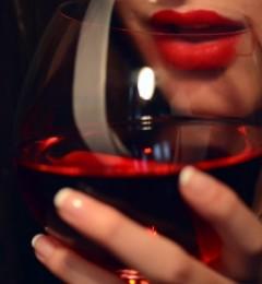 研究结果表明 喝红酒也可以减肥!