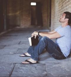 人生矛盾的存在 喜欢独处又被人认为孤僻