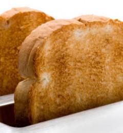 网传:现烤面包残留酵母会致癌?