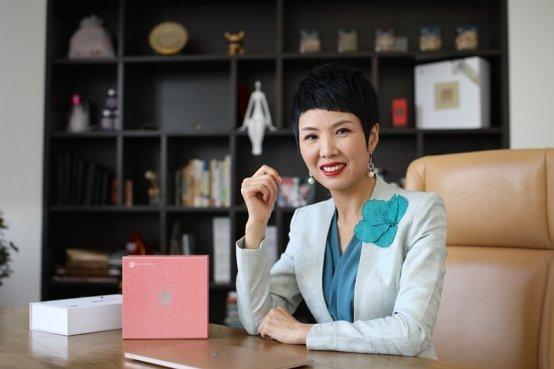 """如""""雪莲""""般盛放,让世界重新认识中国女性"""