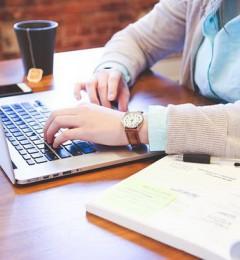 坐着办公容易得职业病 站着工作呢?