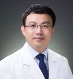 中国医科大口腔正畸教授亲诊哈尔滨优诺博士口腔