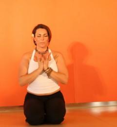 简单瑜伽动作 立刻温暖你的身心!