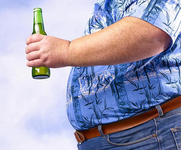 中年男人的油腻 都是啤酒喝出来?