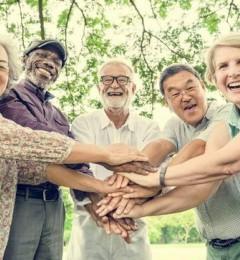 人越老越需要知心的朋友
