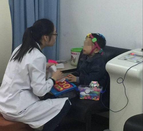 重庆九五医院治疗孩子抽动症