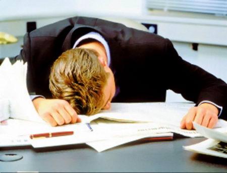 工作压力大易困倦 7类零食可缓解疲劳