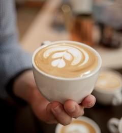 女性哺乳期可以喝咖啡吗?