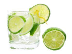 每天喝杯柠檬水 平衡体内酸碱值
