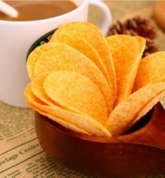 日本专家:薯片中含有丙烯酰胺成分,具强致癌性!