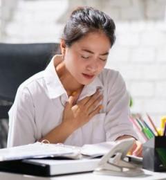 二尖瓣脱垂好发于女性 经常心悸、胸闷,有心杂音要注意