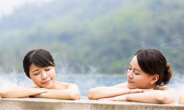 冬天泡温泉 考虑过身体皮肤的感受了么?