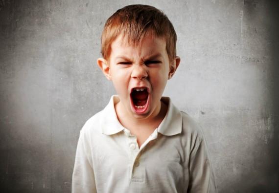 宝宝发脾气 是为了表达内心的恐惧和不满