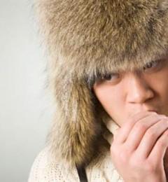 手脚冰冷不是病 是气血失调的表现