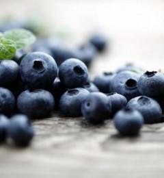 研究发现每天吃蓝莓持可以改善血管功能和降血压